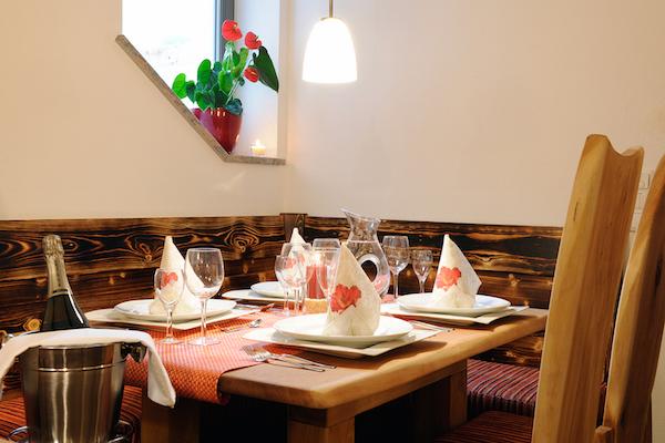 Kulinarische Highlights im Restaurant | Die Fotos dürfen ausschließlich für Marketingmaßnahmen die Ferienwohnungen ALPENGLUEHN - Wiesenweg 4 - D-Berchtesgaden - verwendet werden. Jegliche Nutzung Dritter ist mit dem Bildautor Günter Standl (www.guenterstandl.de) gesondert zu vereinbaren.