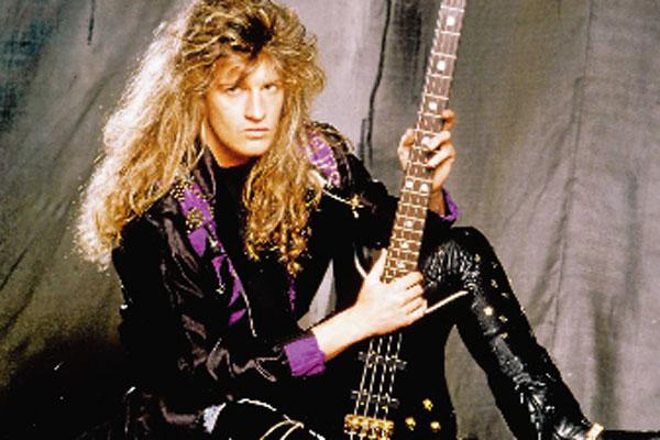 Rock'n'Roll-Star Bassist P. J.