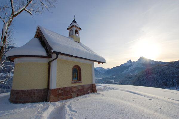 Chapel in winter panorama |Berchtesgadener Land Tourismus GmbH (BGLT)