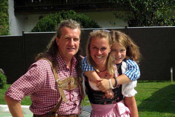 Ihr Gastgeber: Familie Juhre | Die Fotos dürfen ausschließlich für Marketingmaßnahmen die Ferienwohnungen ALPENGLUEHN - Wiesenweg 4 - D-Berchtesgaden - verwendet werden. Jegliche Nutzung Dritter ist mit dem Bildautor Günter Standl (www.guenterstandl.de) gesondert zu vereinbaren.