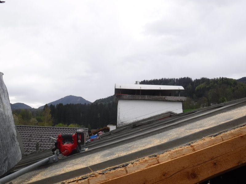 (c)Ferienparadies_Alpengluehn_Umbau_Schneeschaden_Fruehjahr_2019 (4)